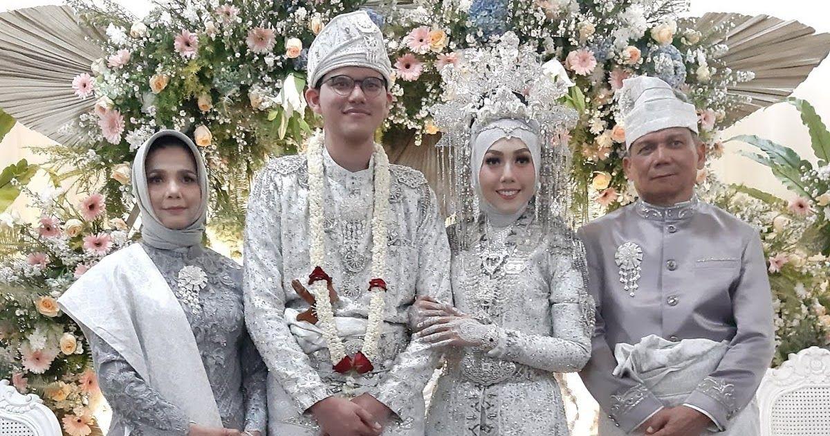 Temukan Koleksi Kami Lainnya Di Klik Dihastag Tsb Pengantin Melayu Deli Di Jakarta Temukan Koleksi Kami L Pengantin Baju Pengantin Pakaian