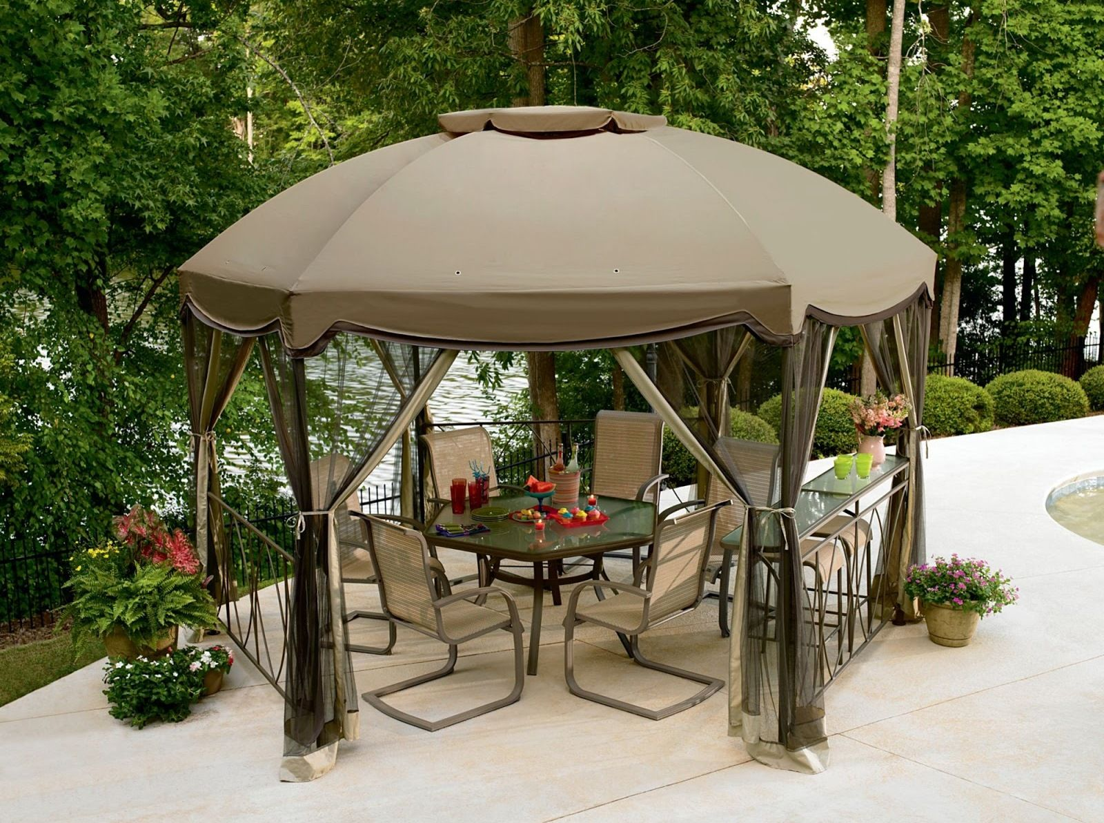 Gazebo Canopy With A Circular Roof