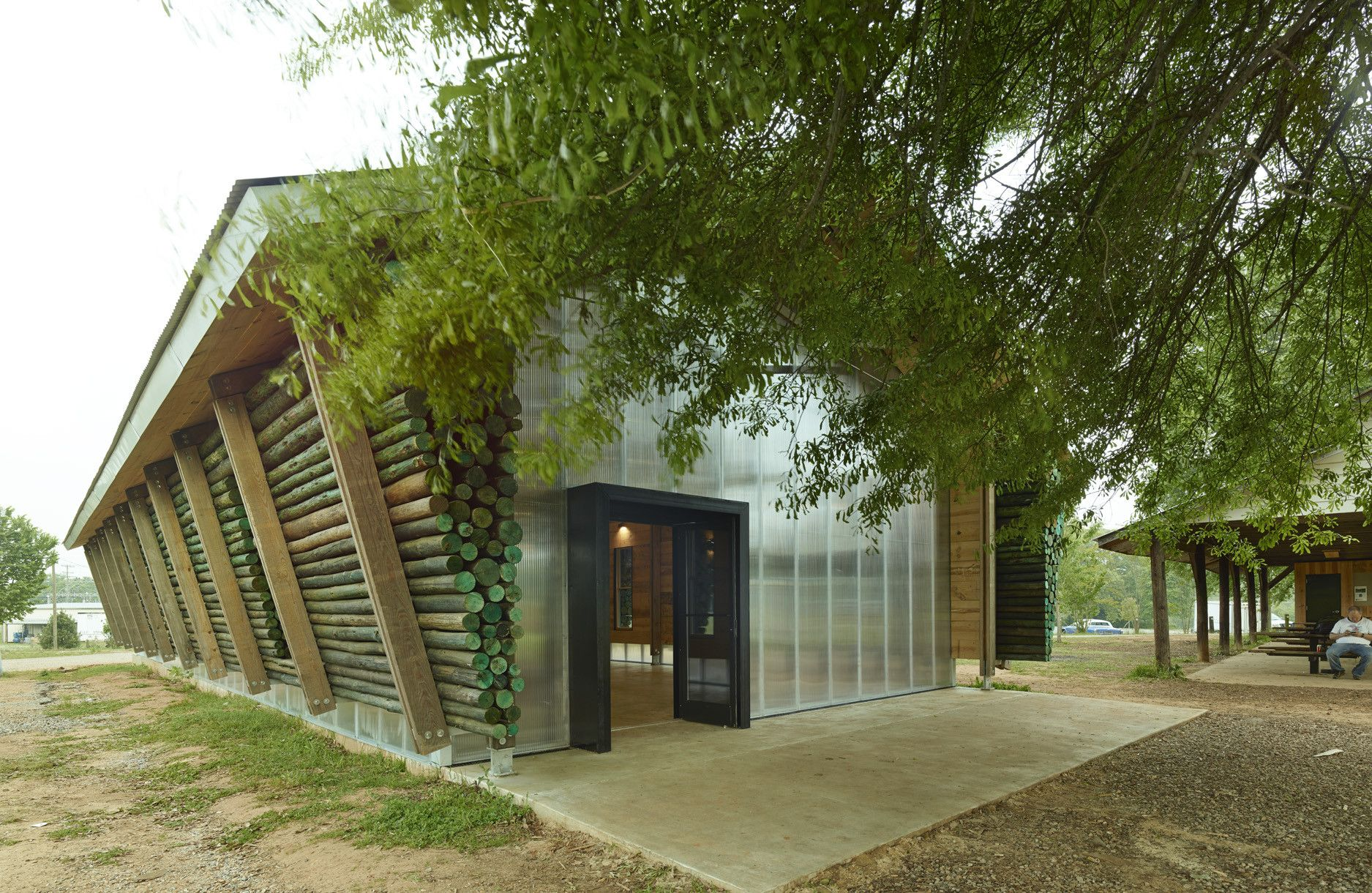 Galería de Scouts en Parque Lions / Auburn University Rural Studio ...