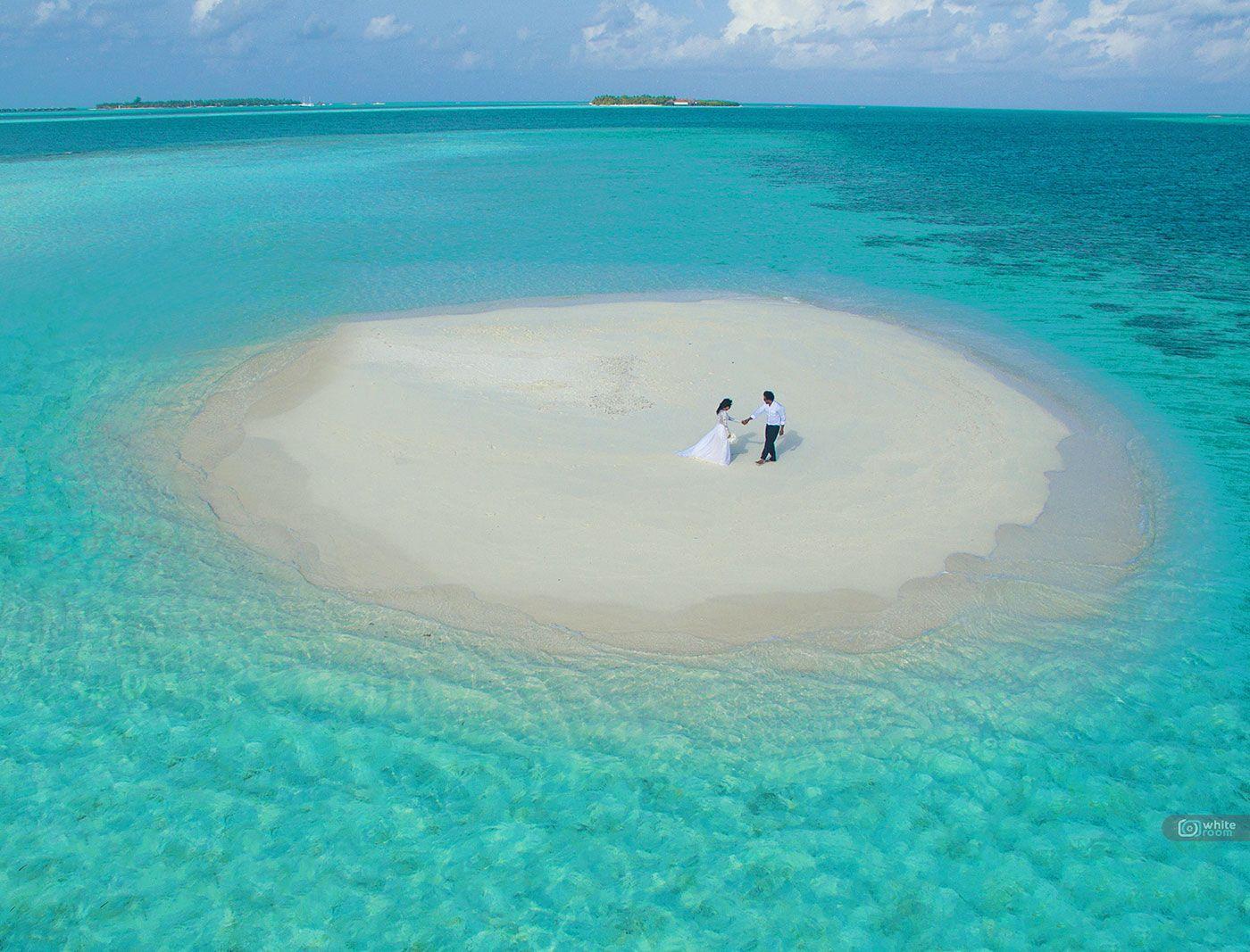 SANDBANK TRIPS Maldives is the best barefoot luxury