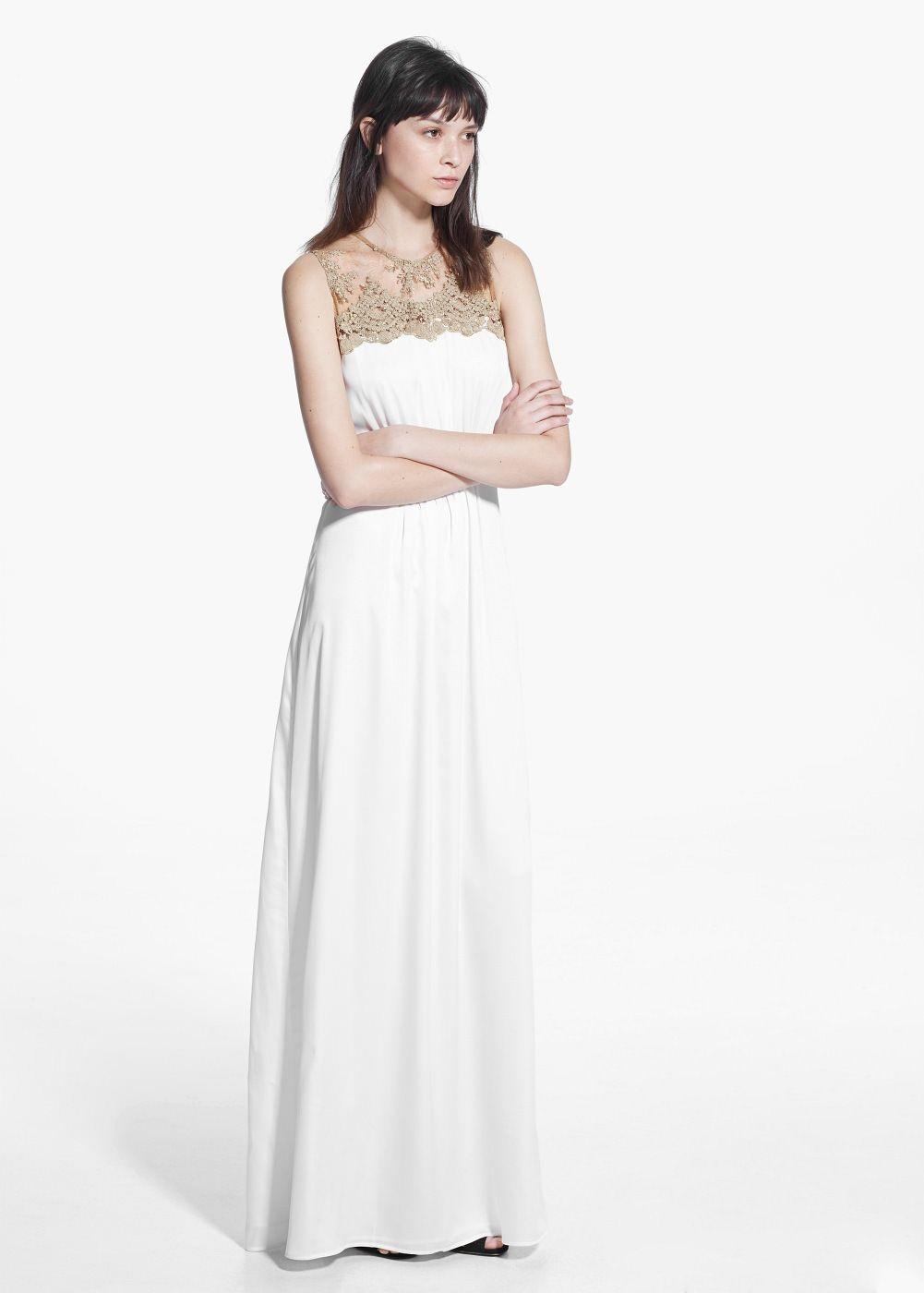 Φόρεμα μακρύ με δαντέλα | Lace detail, Gowns and Wedding