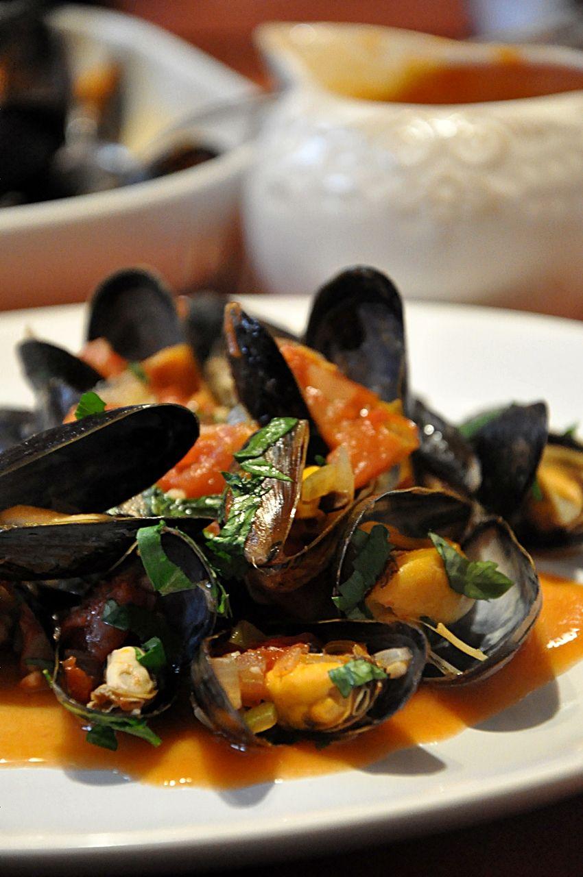 Malze W Pomidorach Z Natka Pietruszki Seafood Recipes Cooking Food
