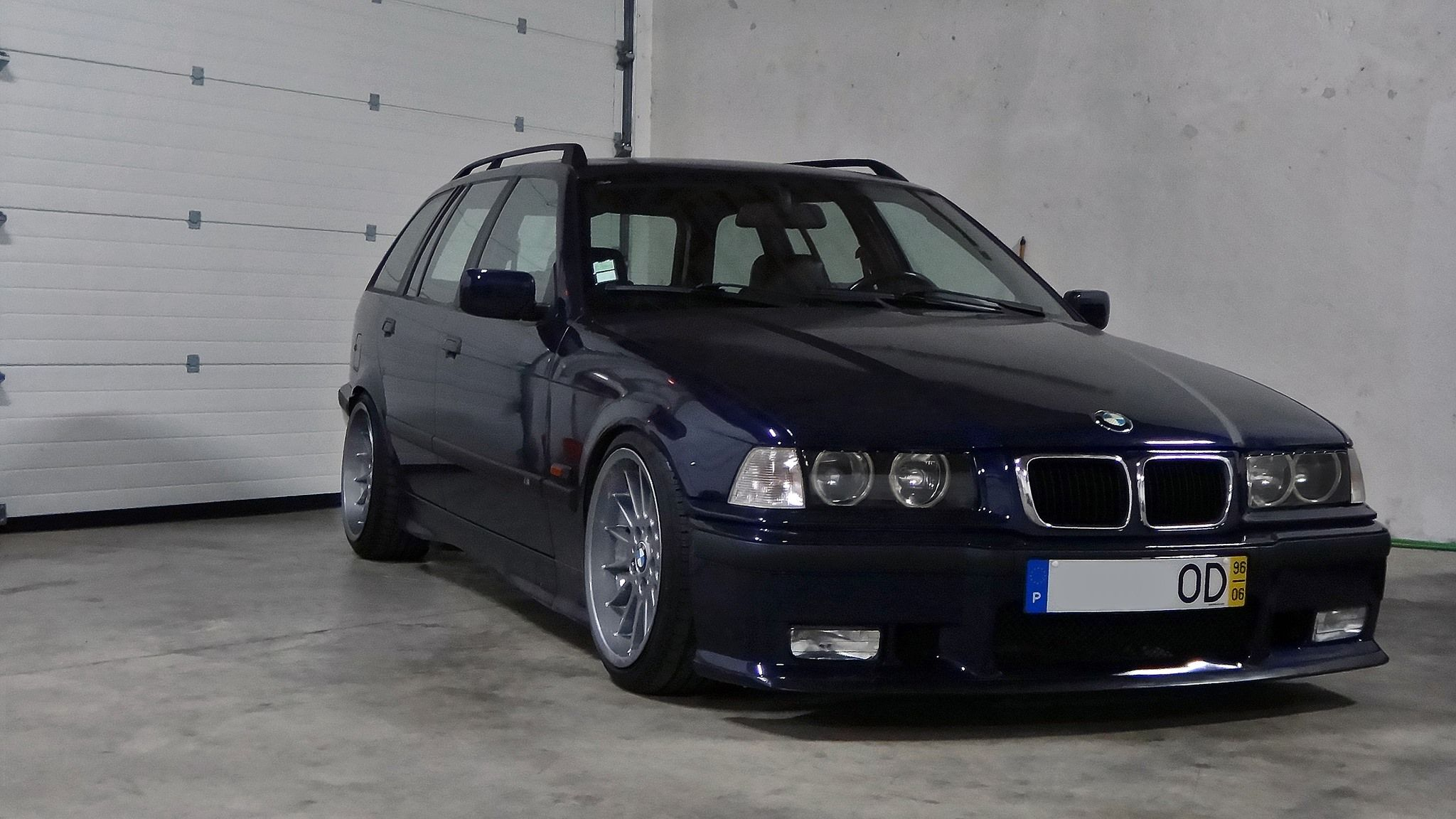 small resolution of portuguese montreal blue bmw e36 touring on oem bmw styling 32 205 40 8x17 215 40 9x17
