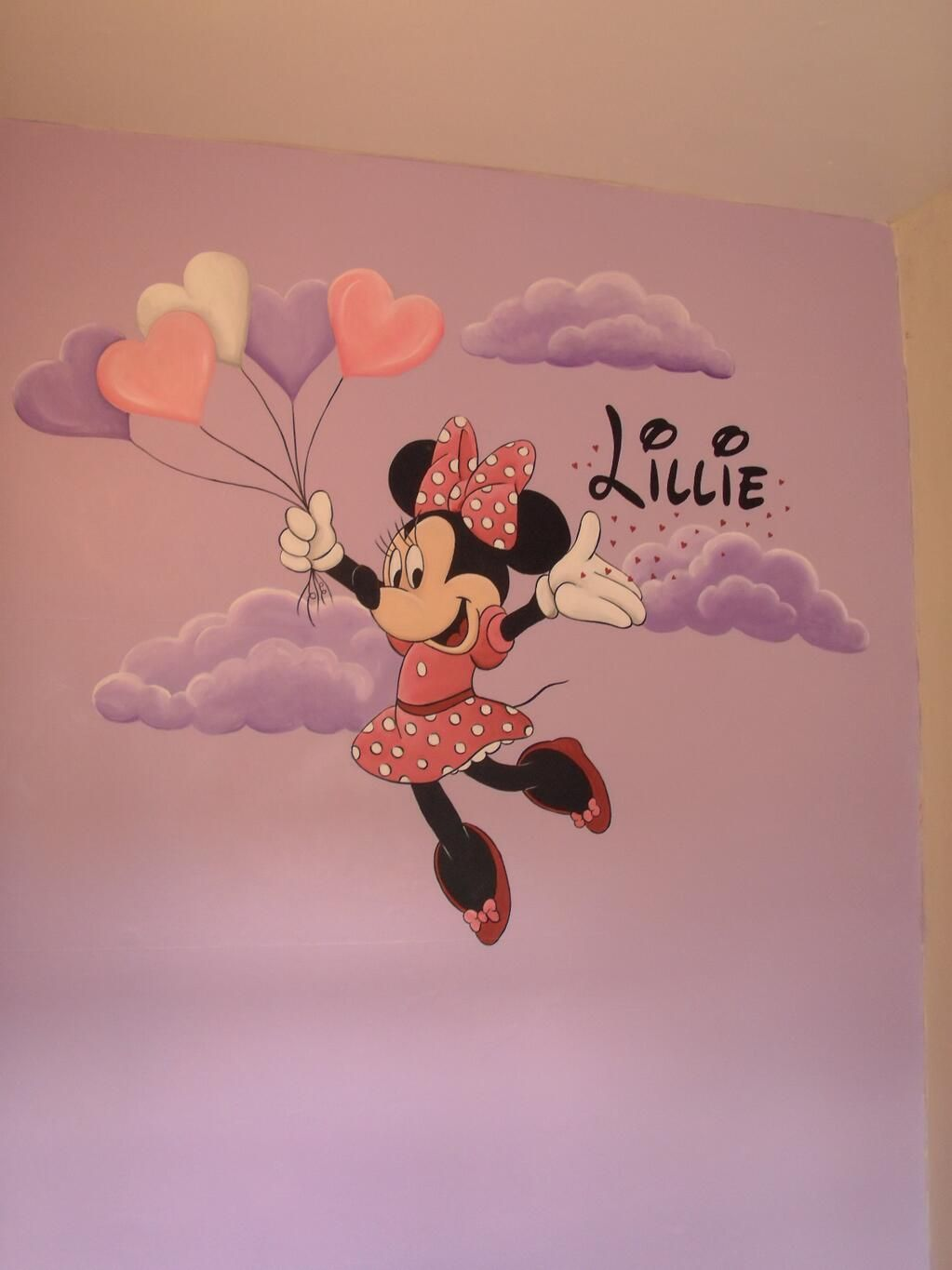Minnie mouse hand painted wall mural for Crea tu mural disney