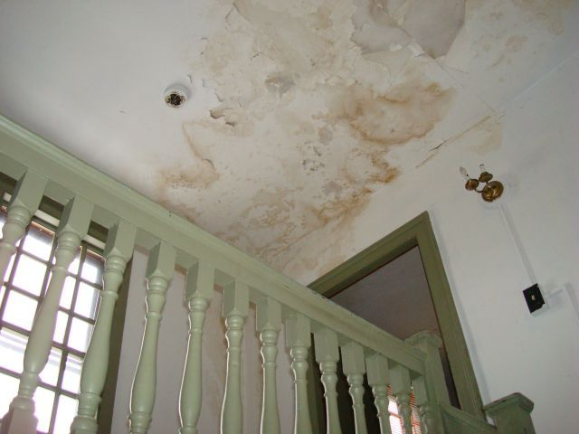Water Damage On A Plaster Ceiling Water Damaged Ceiling Old