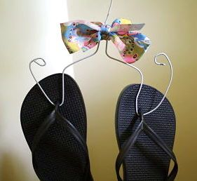 Upcycle an old wire hanger into a flip flop holder! (Tutorial too!)
