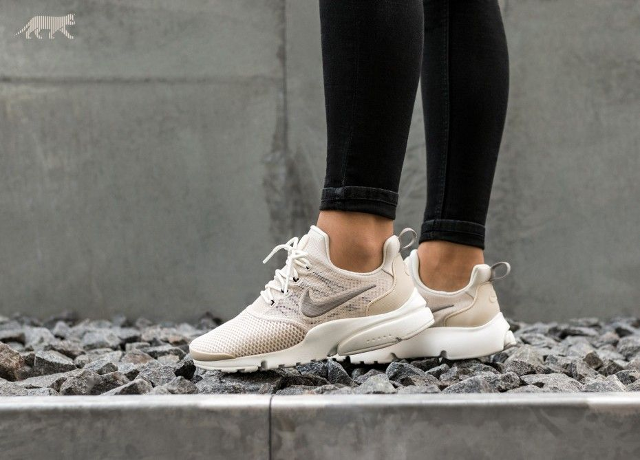 top quality good looking great look Nike Wmns Presto Fly (Light Orewood Brown / Cobblestone ...