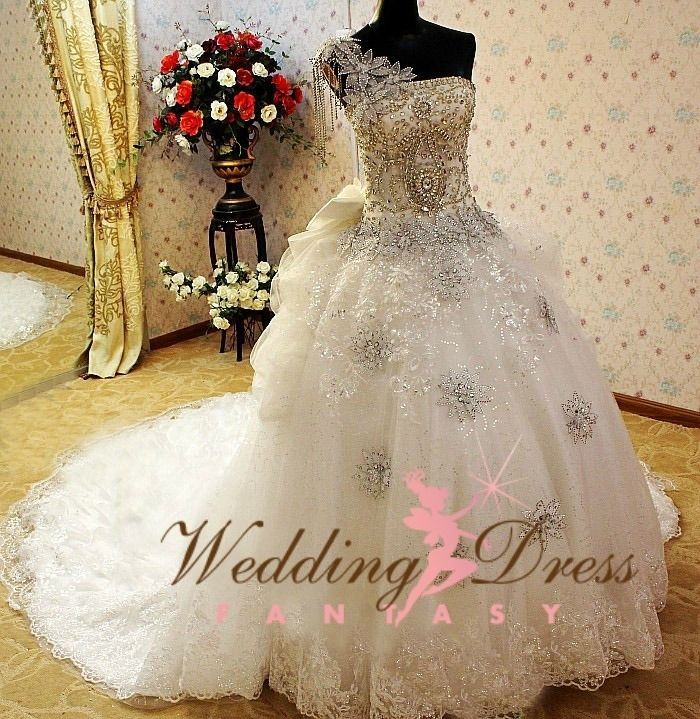 Gypsy Wedding Dress 5   Gypsy wedding, Gipsy wedding and Wedding dress