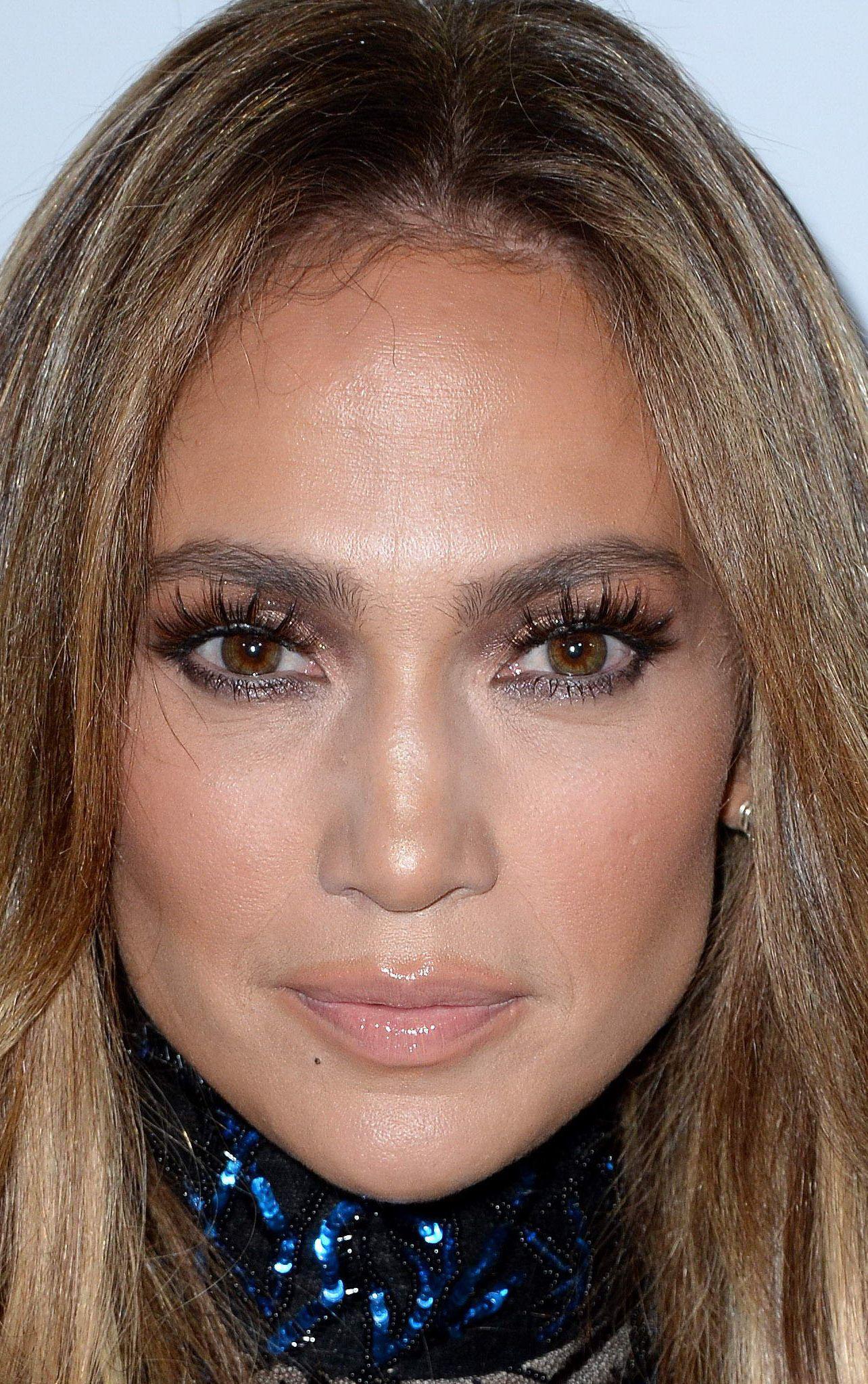 8 Jennifer Lopez Beauty Looks That Serve Some Major Bridal