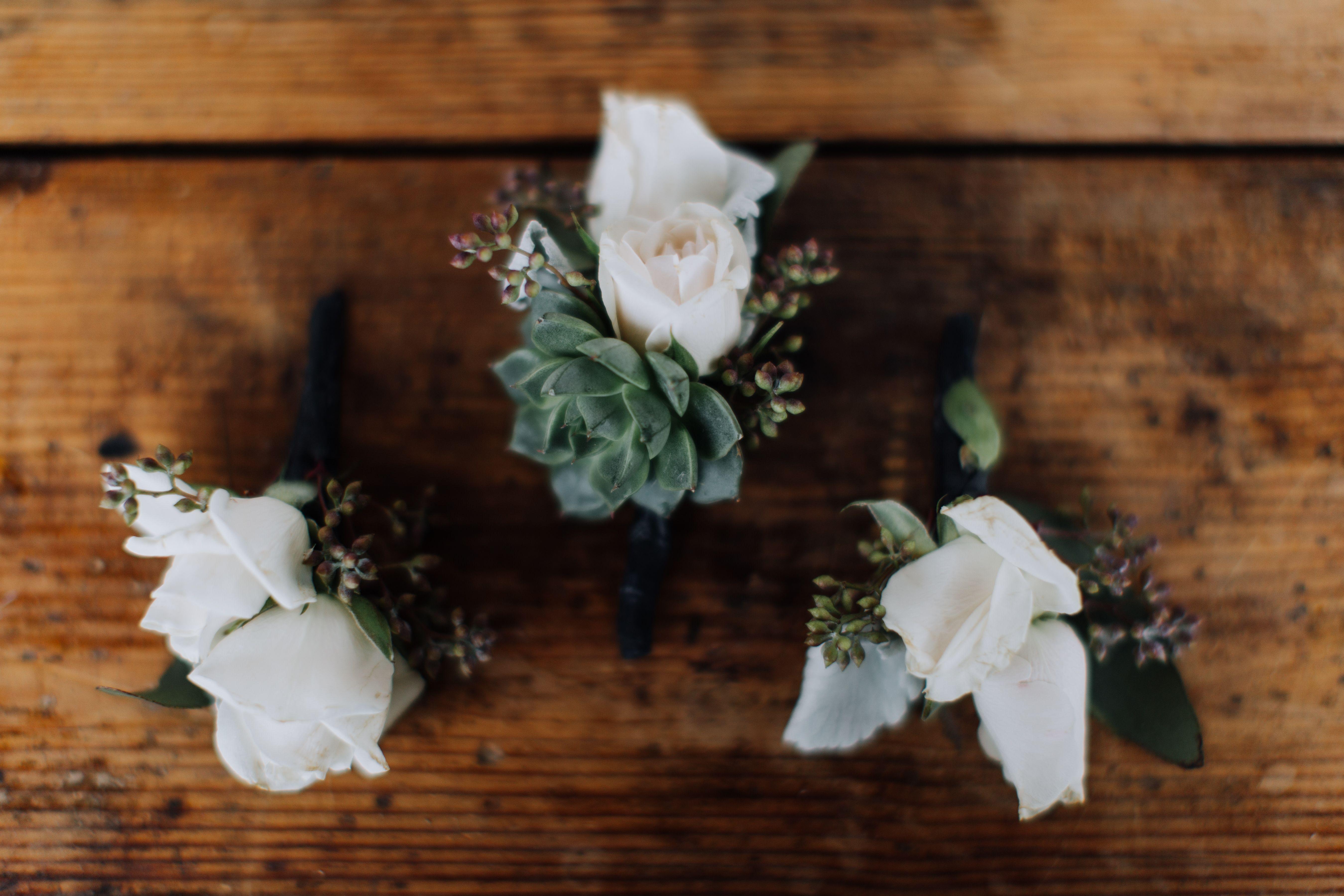 Style of It • Wedding From JL Designs Wedding Studio • Photo Credit: Sara & Logan Weddings, Athens GA © 2017