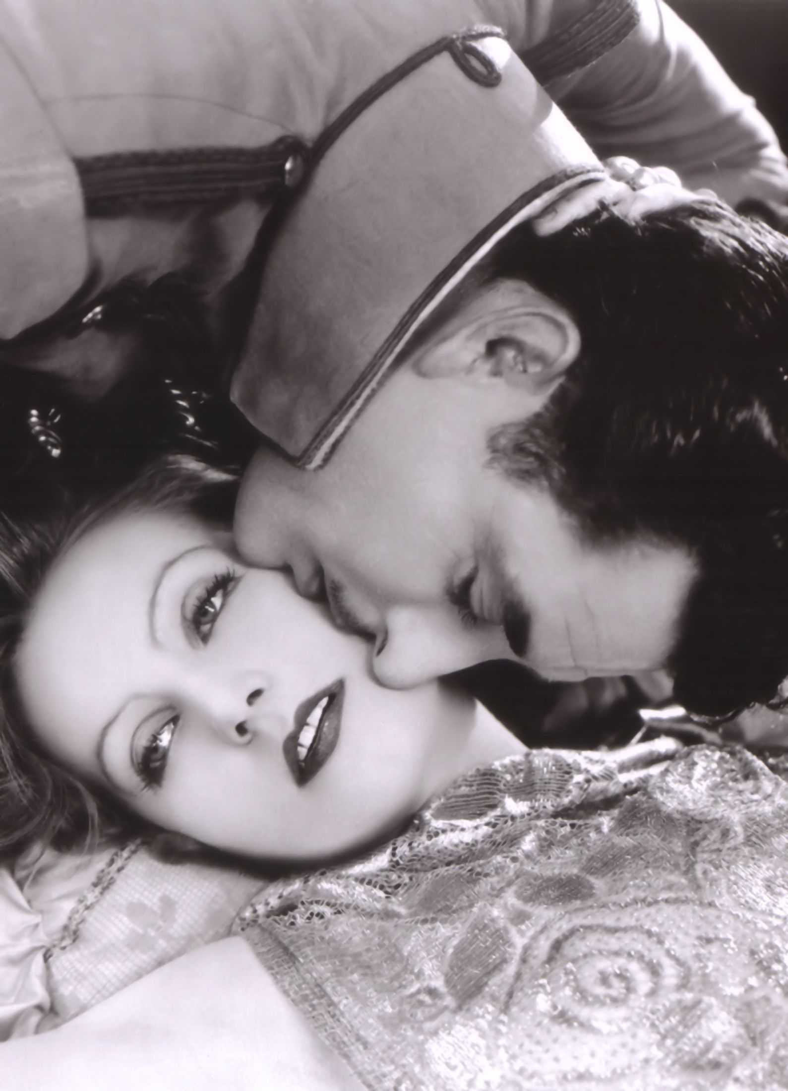 Greta Garbo and John Gilbert - Silent Movies Photo (11948628) - Fanpop fanclubs