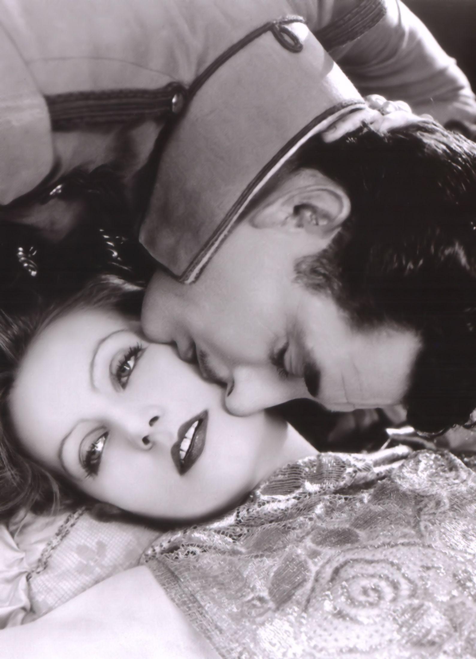 Greta Garbo and John Gilbert - Silent Movies Photo (11948628) - Fanpop fanclubs