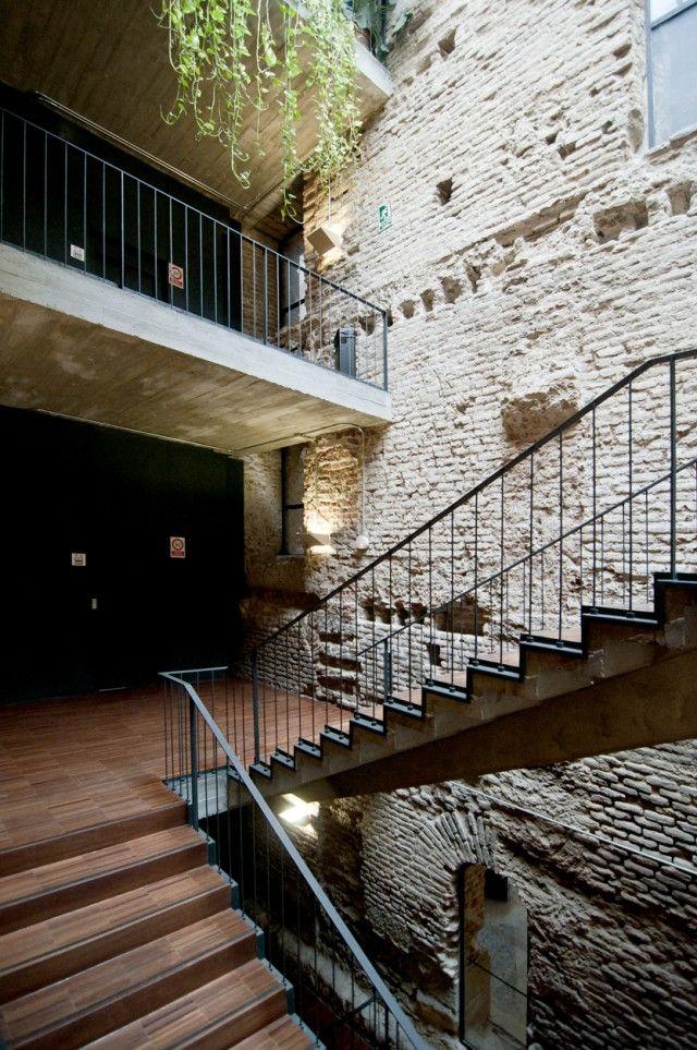 Hic arquitectura j i linazasoro 2004 centro cultural for Escuelas pias madrid