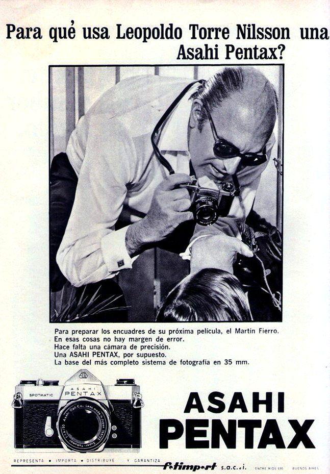 El director de cine argentino, Leopoldo Torre Nilsson (1924-1978) y ...