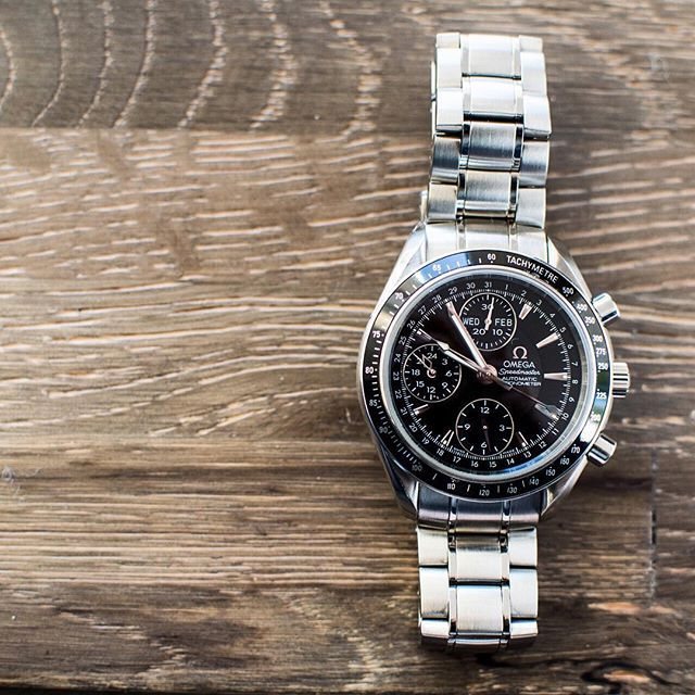 This new arrival is perfect for #SpeedyTuesday. The unexpected composition of the dial and the addition of the day date makes this OMEGA Speedmaster particularly interesting.  Available now for $2,300 (average retail price $4,100). Feel free to give us a call as well (800)514-3750.