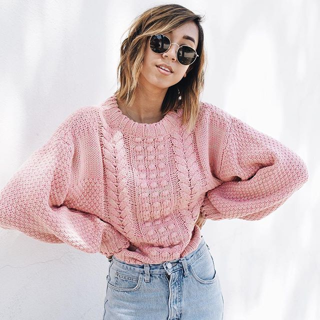 3467531f45b1 Pink knitted sweater