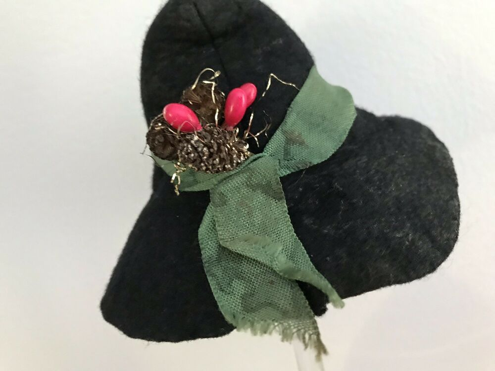 a6b88725e Vintage Doll Felt Hat Black Pinecones Whimsical Novelty Christmas ...