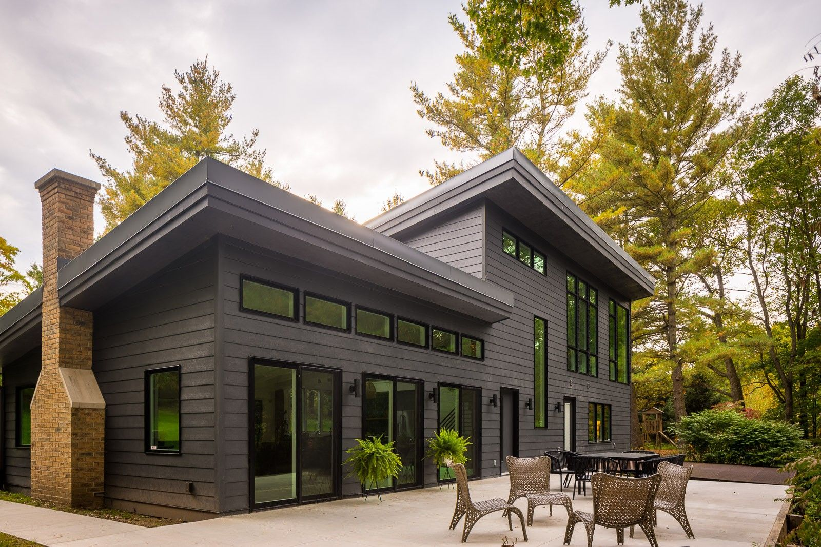CertainTeed ICON Composite Siding | Modern siding, Rustic houses ...