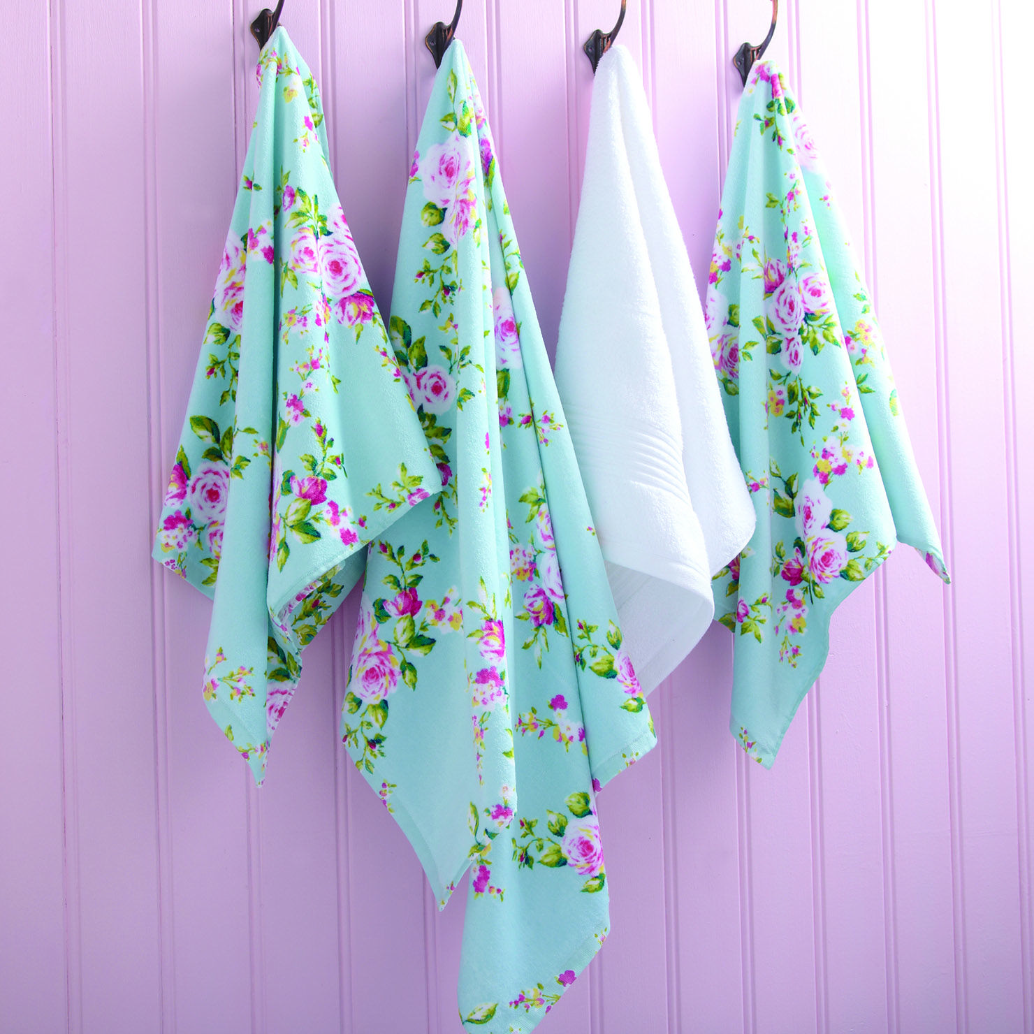I Love These Printed Canterbury Towels From Catherine Lansfield - Plum towels for small bathroom ideas