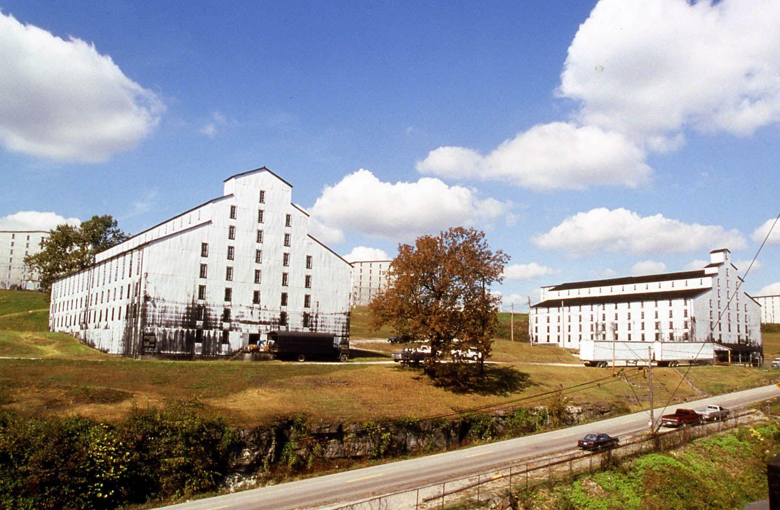 Heaven hill distilleries warehouses bardstown ky