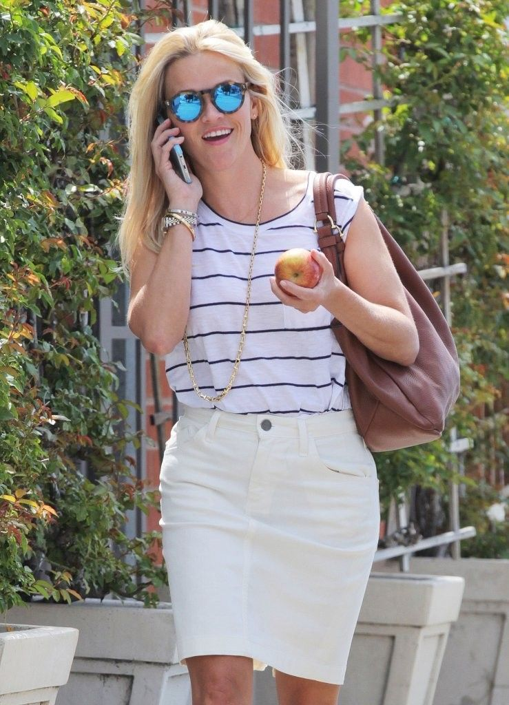 Reese Witherspoon Photos: Reese Witherspoon Gets Her Workout In
