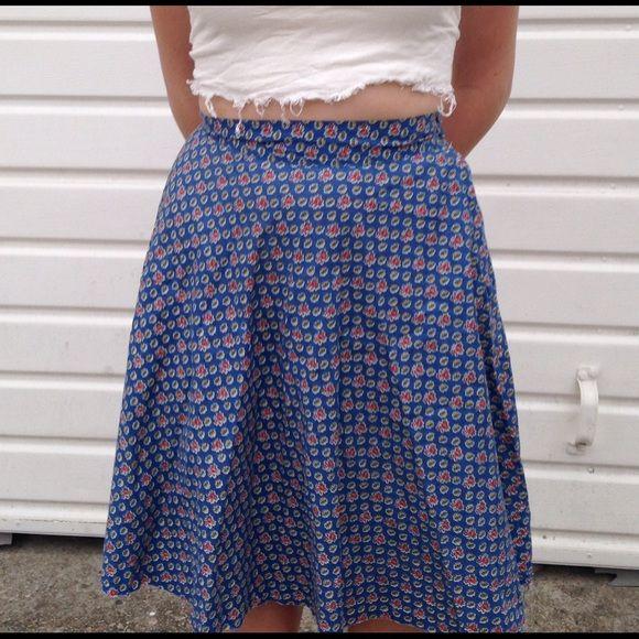 ⚡️SALE!⚡️ Patterned Vintage Skirt Blue Flowery Vintage skirt fitting small/medium very summery. Vintage Skirts