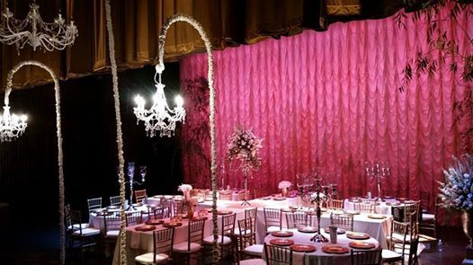 Knox Wedding Alabama Theatre Top Notch Events And Als Anniston Al Birmingham 256 239 4950 Www Topnotcheventsinc Drapery Ceiling