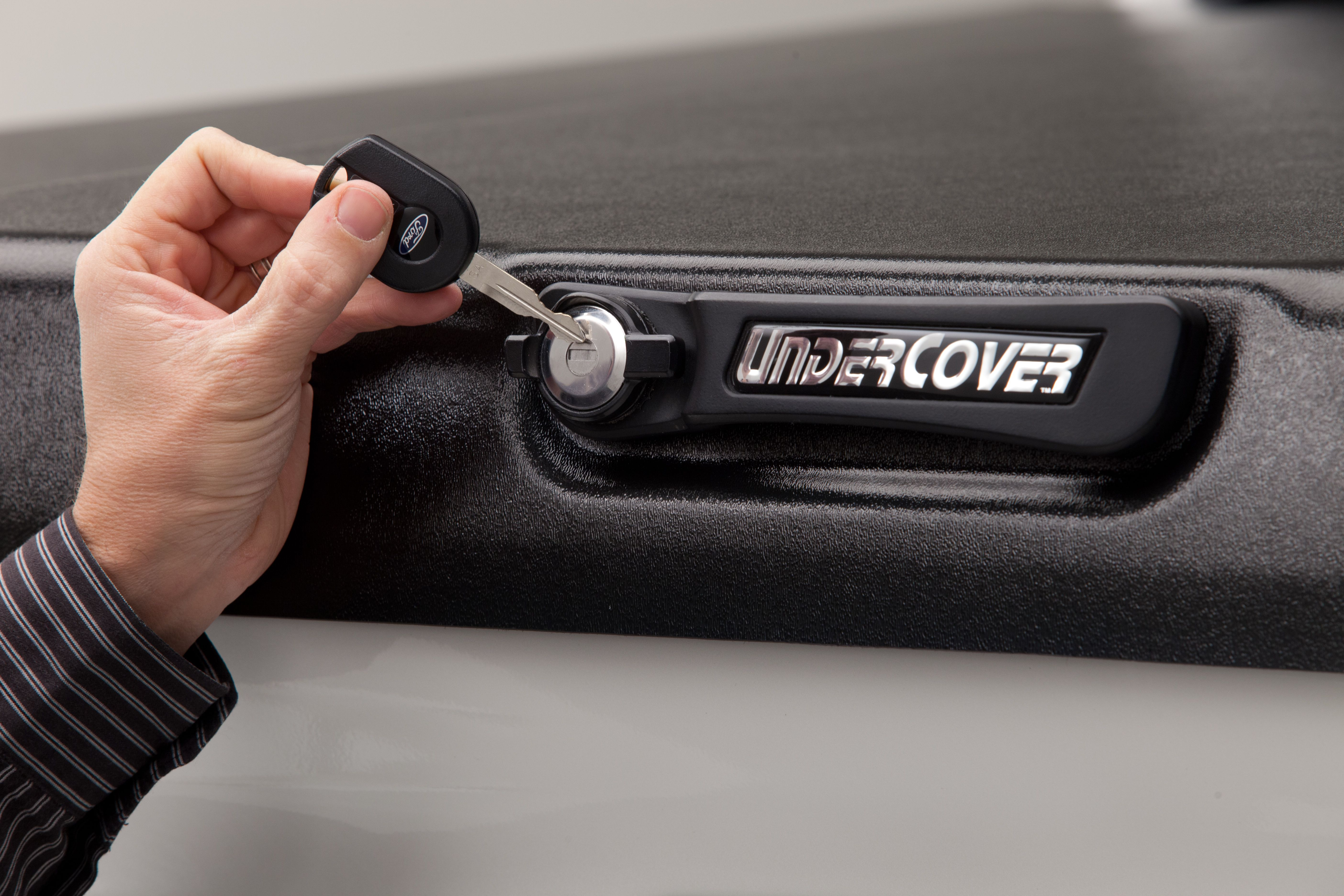 The UnderCover Elite comes standard with our new handle