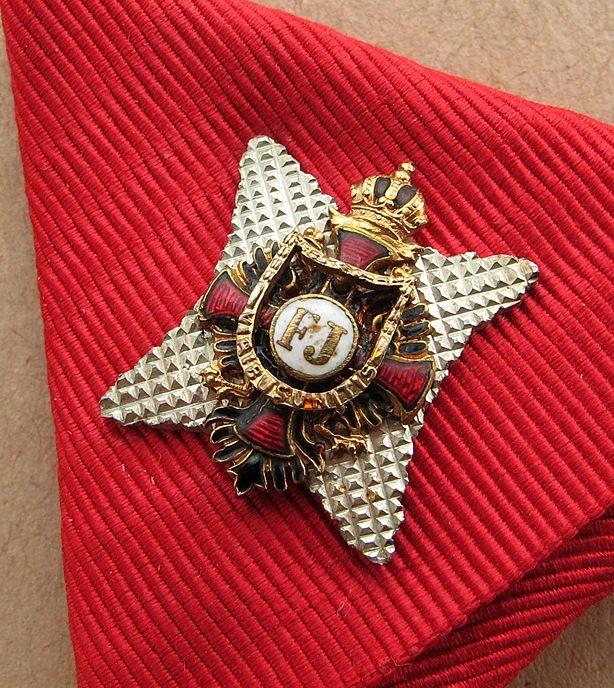Franz Joseph Order, Commander with Star 'kleinen Dekoration' breast badge, c. 1860, 31 x 57mm, on ribbon a miniature Commander's star, 16 x 19mm, Gebruder Resch, Vienna. Detail.