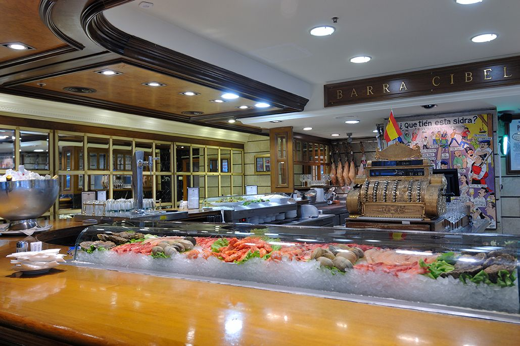 La barra cibeles del restaurante puerta 57 puerta 57 pinterest - Restaurante puerta 57 madrid ...