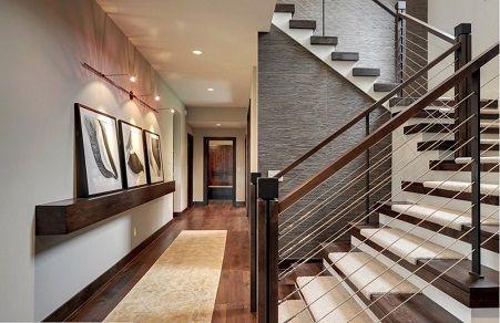 Escalera Con Moqueta Takto De Kp Y Papel Pintado Con