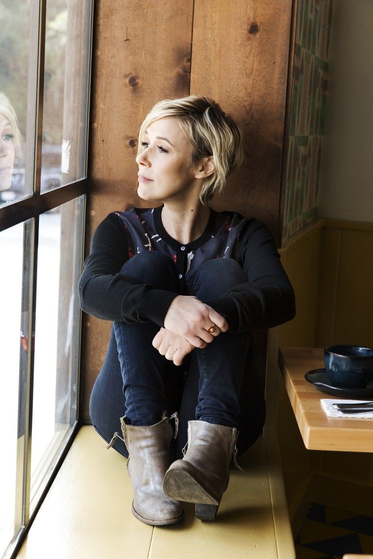 Liza Weil On How to Get Away With Murder, Short Hair, and More - Coveteur