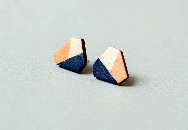 *Holz-Ohrstecker/-Ohrringe in sechseckigem Design, handbemalte Details in kupfer und dunkelblau*  Vorderseite : grafische Details in kupfer und dunkelblau bilden einen schönen Kontrast zur...