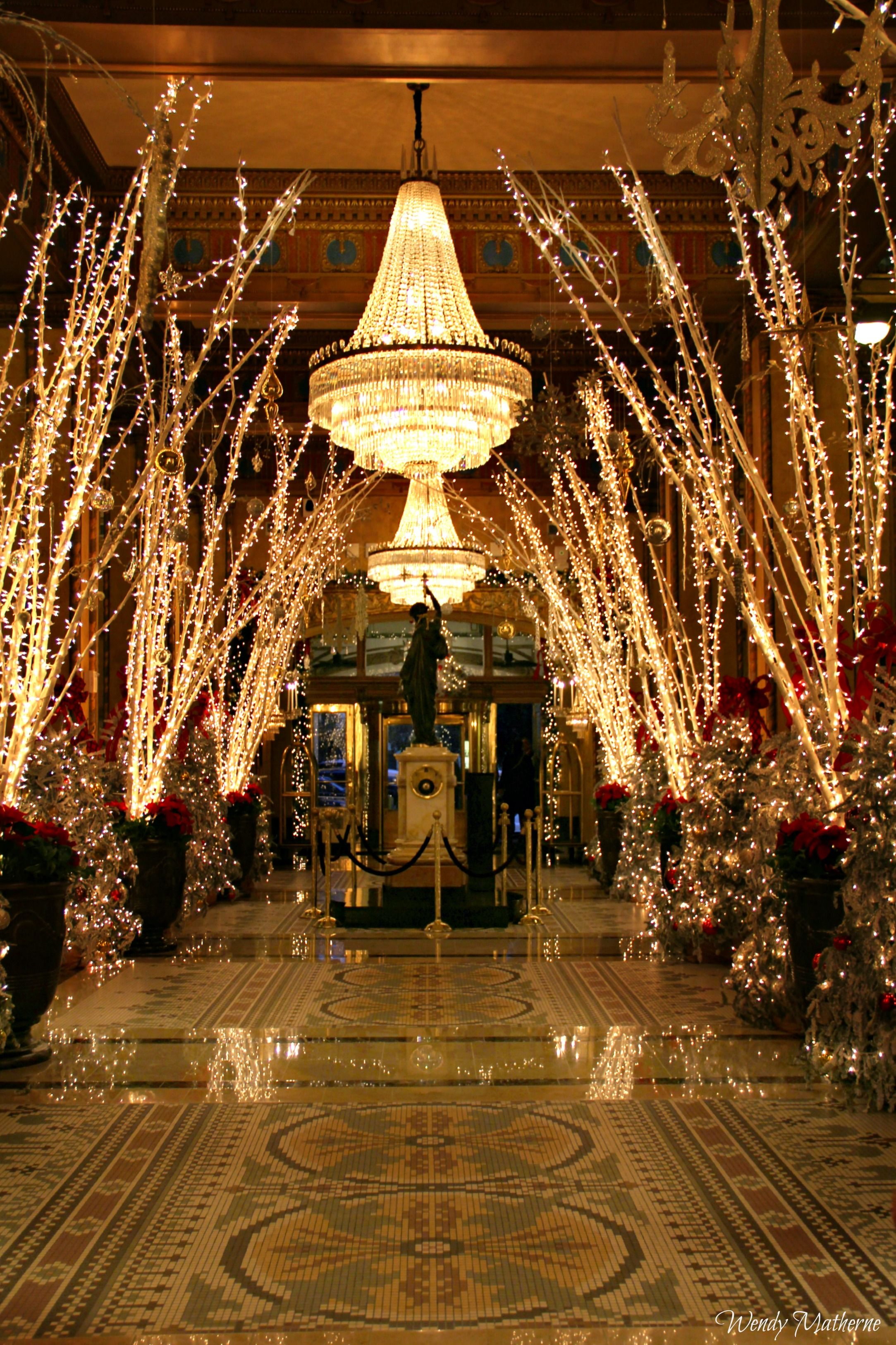 The Famed Roosevelt Hotel In New Orleans Decorated For The