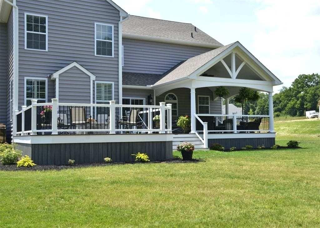 Island Mist Composite Deck House With Color Schemes From Classic To Bold Deck Colors Trex Deck Colors Trex Deck Designs