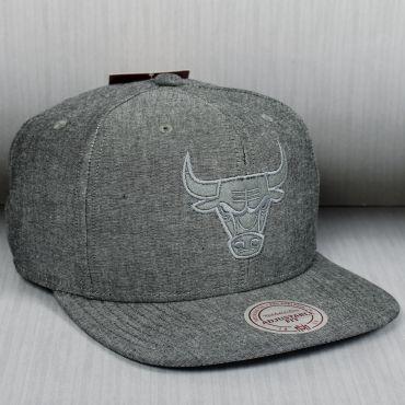 aea9325de30 Mitchell   Ness NBA Chicago Bulls Italian Washed Snapback Cap