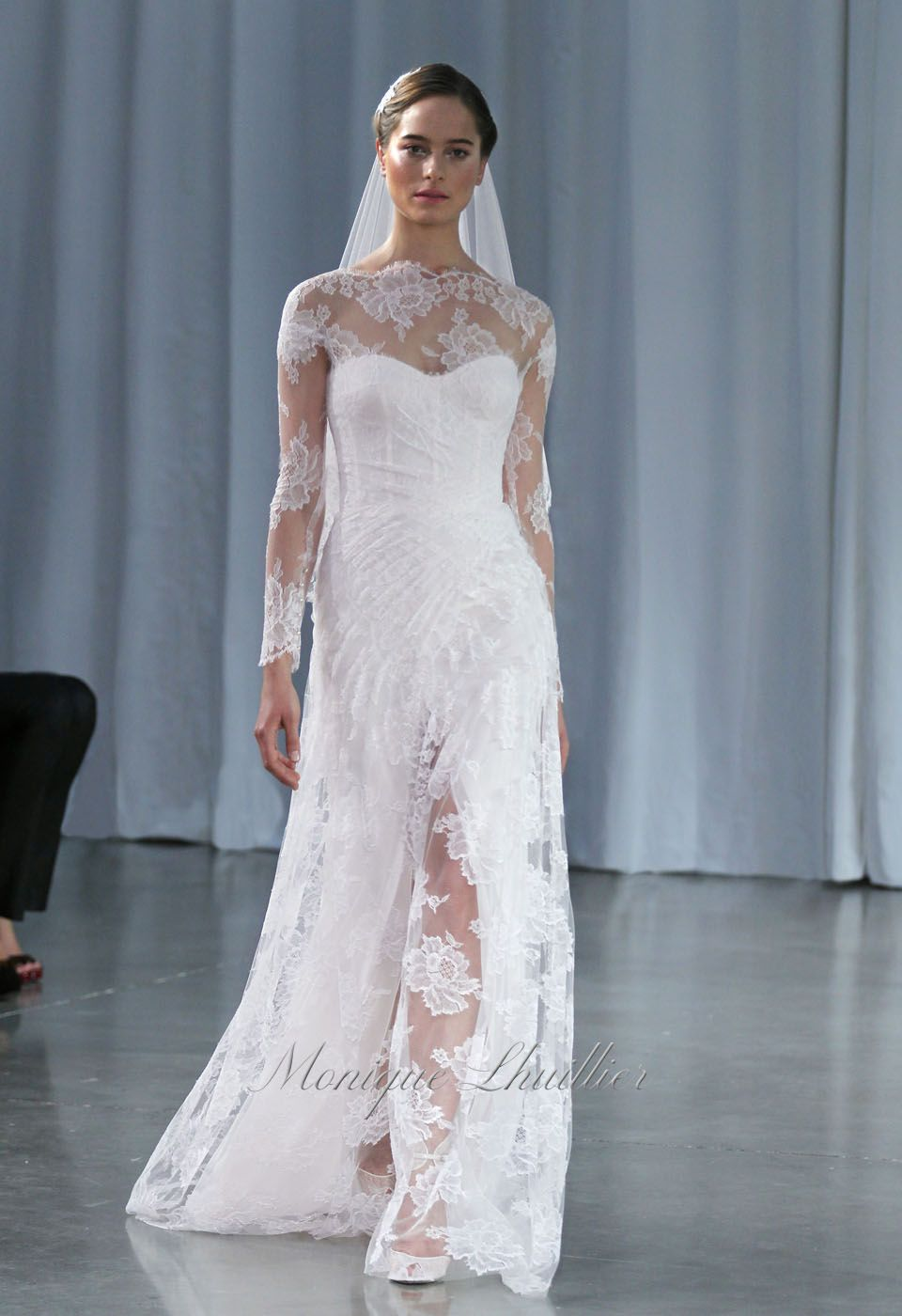 Chantilly Lace Sleeve Wedding Dress