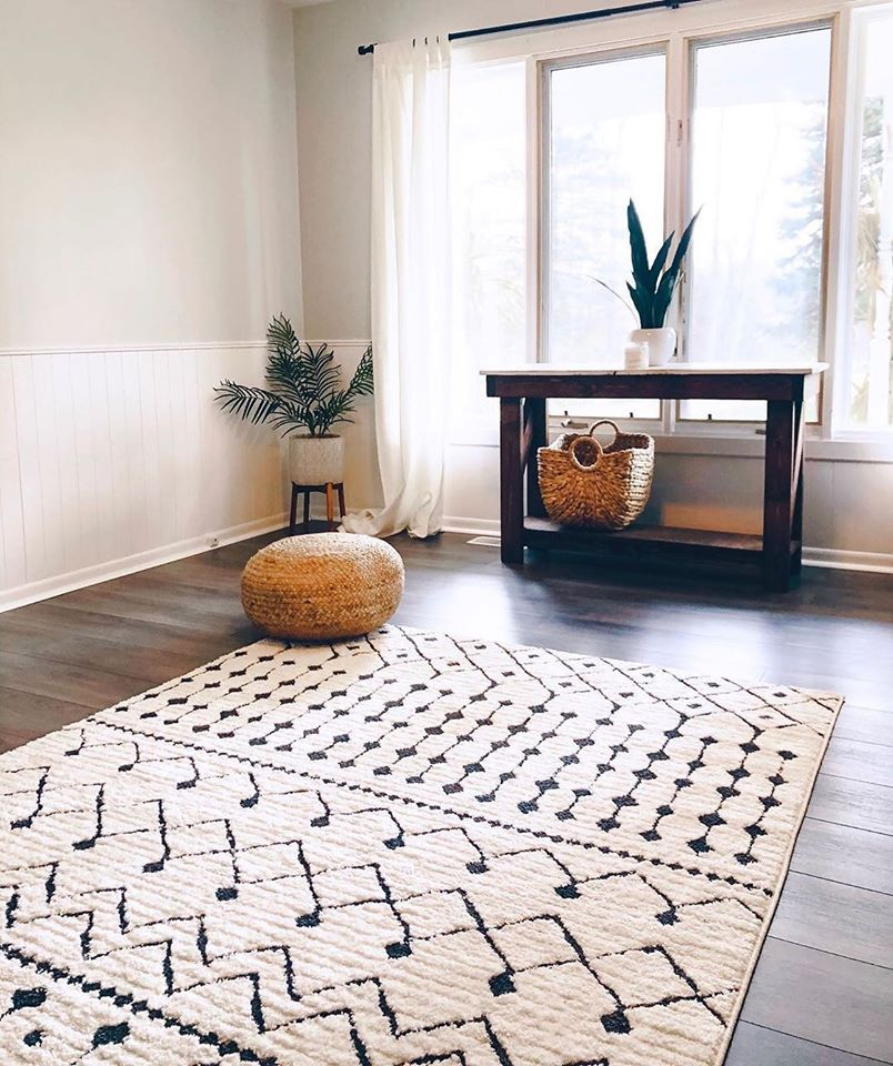 The Entryway Is Sometimes The Hardest Space To Design Jacquelinekentt Is Well On Her Boho Rugs Living Room Contemporary Rugs Living Room Rugs In Living Room