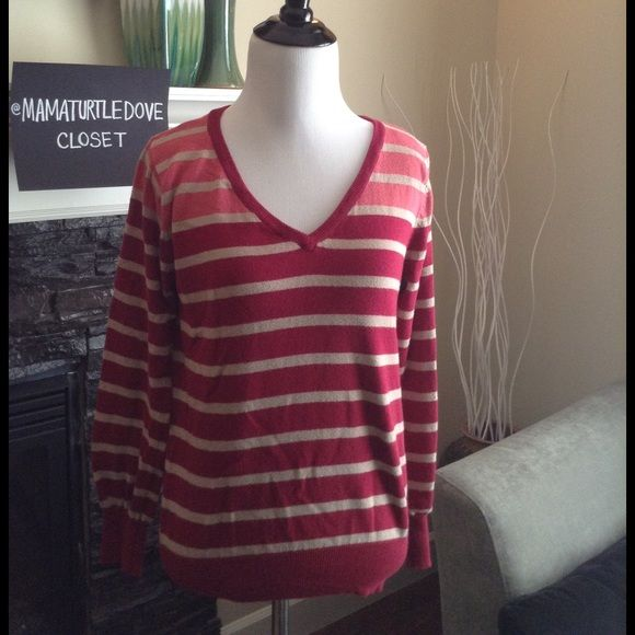 ❎ Striped V-neck sweater Striped V-neck sweater. REASONABLE OFFERS using the OFFER BUTTON will be considered.  10% off for BUNDLES only.  ❌No Trades ❌No PayPal ❌Please don't advertise your closet on my listing Bundle to save on shipping fees. Questions, please ask! Sweaters V-Necks