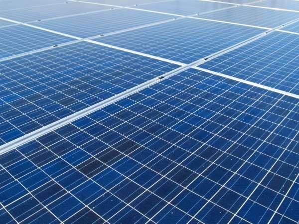 Brazil Is Building A Giant Floating Solar Farm Solar Panels Best Solar Panels Solar Farm
