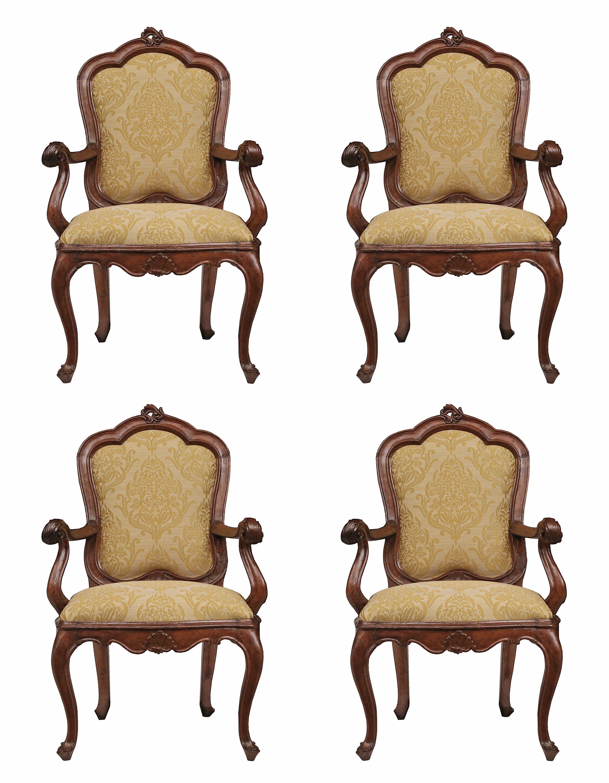 A Handsome Set Of Four Italian 18th Century Venetian Walnut Armchairs. Each  Armchair, À Chassis