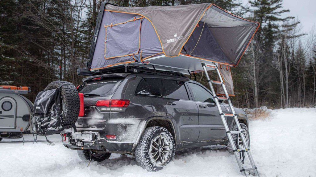 Skylux Hard Shell Rooftop Tent Can Sleep Four People And Sets Up In About A Minute Innovation Technology Tech Design Business In 2020 Roof Top Tent Tent Rooftop