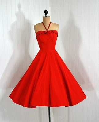 1000  images about Pretty Dresses on Pinterest  Pyramid ...