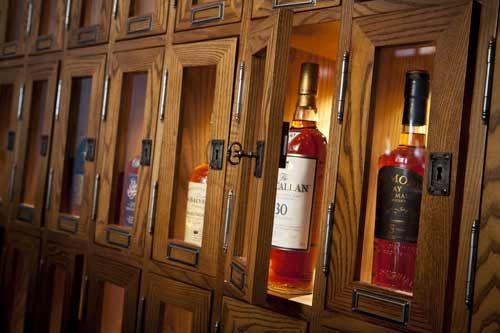 scotch locker instead of a wine cellar my style pinterest cave alcool et int rieur bar. Black Bedroom Furniture Sets. Home Design Ideas