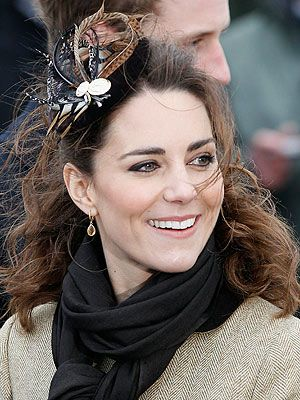 2b6aea0c8 Kate Middleton Wears a Royal Fascinator | queen kate | Kate ...