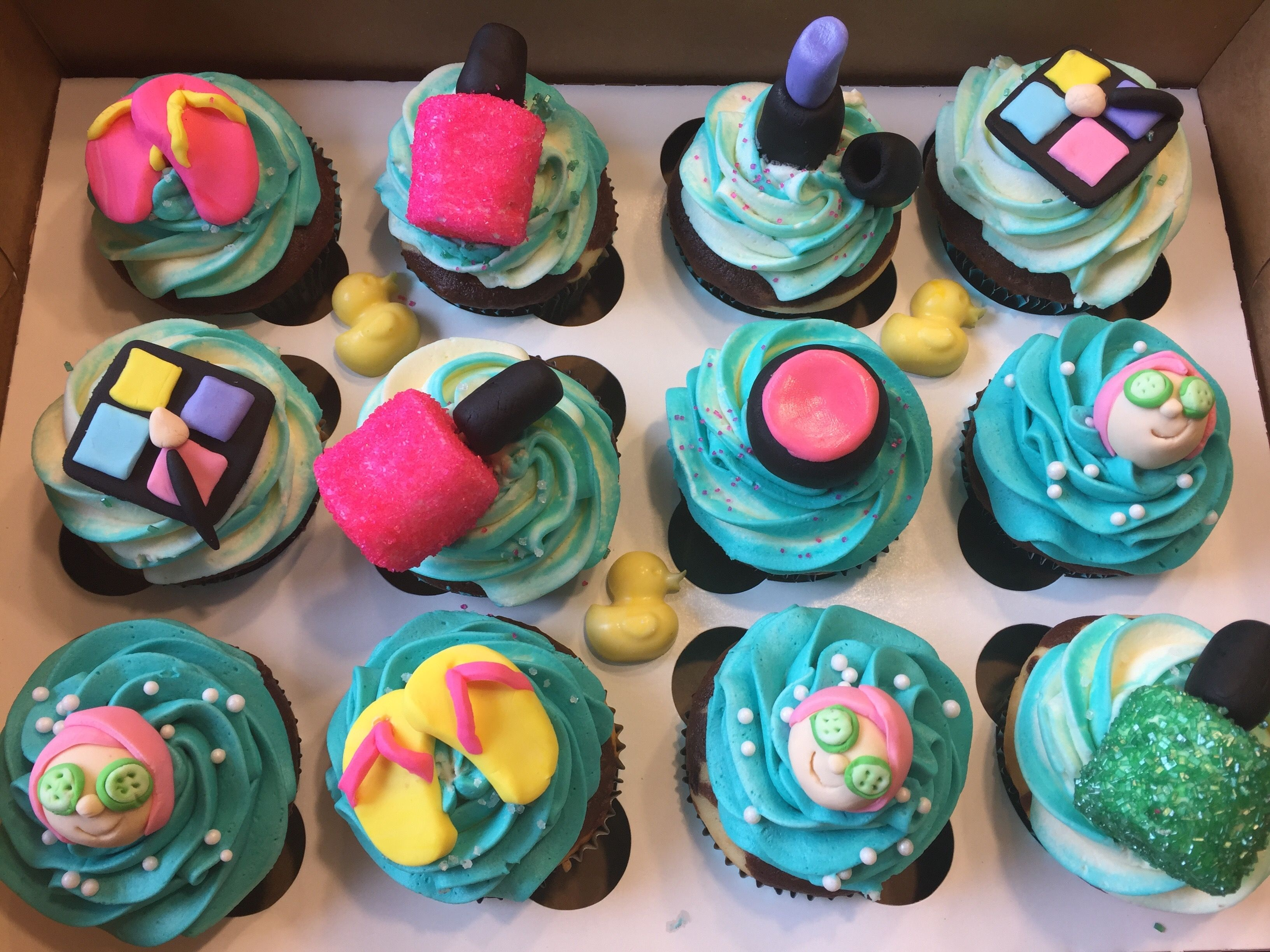 Spa Cupcakes For A 13 Year Old Girl With Images My Dream Cake
