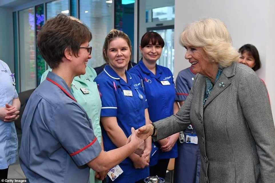 Pin By Beatrice Bonsu On Duchess Of Cornwall Prince Charles In 2020 Duchess Of Cornwall Camilla Parker Bowles Middleton
