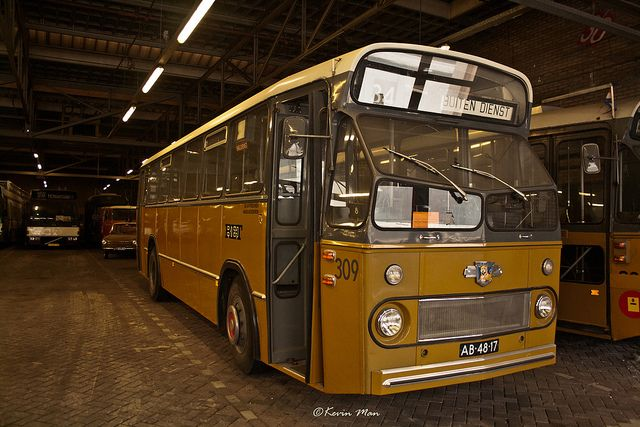 Auto Garage Rotterdam : Rotterdam ret stadsbus garage work vehicles