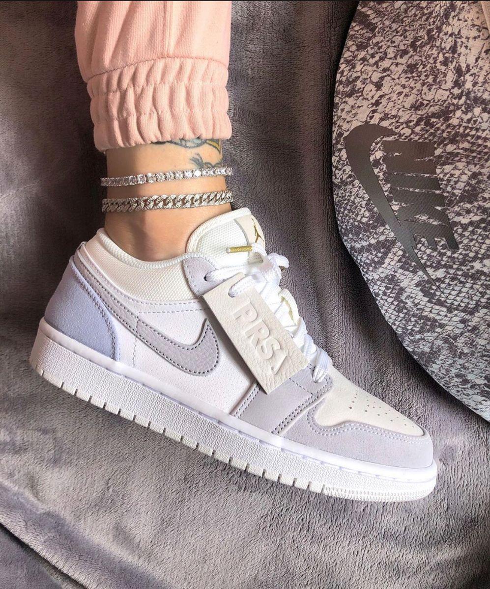 Pin by Dy🍑 on ꜱᴡᴇᴇᴛ ᴛʜᴀɴɢꜱ! in 2020 Nike, Nike air force