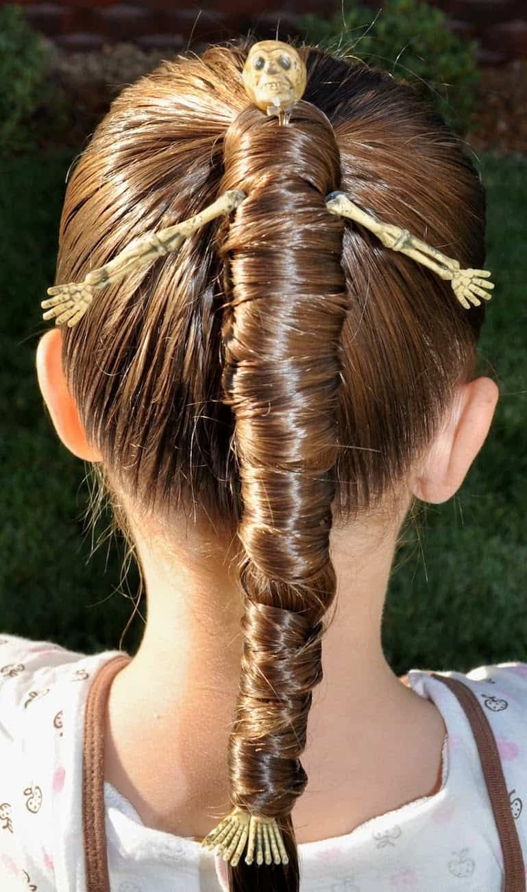 Halloween Hairstyles Love This Mummy Twist Halloween Hair Idea Would Also Make A Great Crazy Hair Day Id Halloween Hair Hair Styles Scary Halloween Costumes